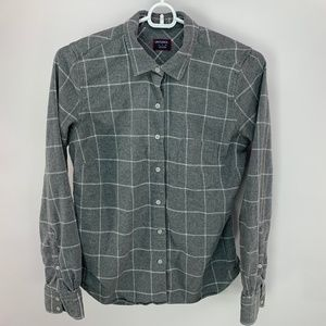 UNTUCKit Gray Flannel Button Front Long Sleeve Top